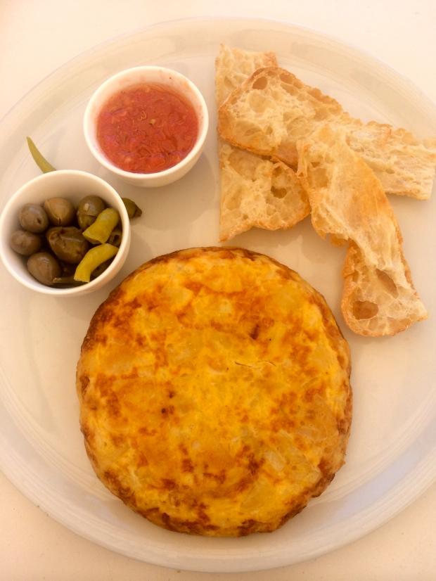 Spanish omelette pan amb oli Balneario Illetas
